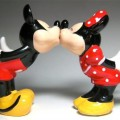 mickey-minnie-salt-and-pepper-shakers